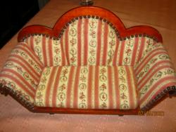 Baba játék kanapé