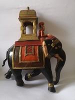 Hatalmas indiai fa kézzel festett elefánt és maharaja