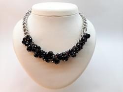 Bizsu nyaklánc fekete fazettált üveggyöngyökkel