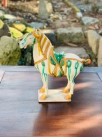 Kínai Tang hárommázas (sancai) kerámia ló szobor, keleti, ázsiai