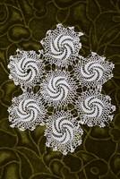 Horgolt csipke terítő kézimunka lakástextil dekoráció kis méretű terítő 17,5 x 15 cm