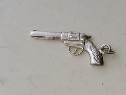 Ezüst kis pisztoly medál. 925
