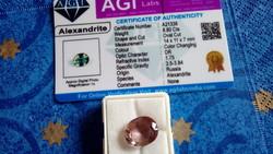 Természetes 8.80 karátos oroszországi színváltoztató alexandrit drágakő tanúsítvánnyal