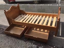 Tömörfa egyszemélyes ágy 2 db ágyneműtartó fiókkal