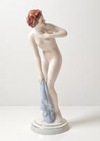 Royal Dux törölköző női akt - ritka porcelán figura