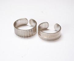 Ezüst lábujjgyűrűk.