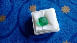 Természetes 6.25 karátos zöld smaragd drágakő tanúsítvánnyal