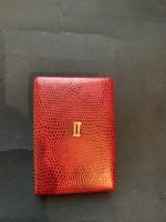 Piros műbőr kitüntetés doboz