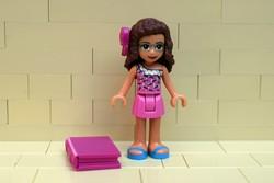 LEGO Friends figura és kkönyv eredeti szép állapotban