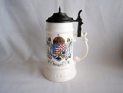 PE_027 Nagy méretű ón fedeles porcelán sörös korsó magyar címerrel