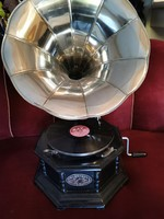 Funnel gramophone sound player (8 square)