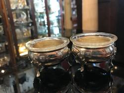 Ezüst asztali fűszertartó párban stilizált lábakkal