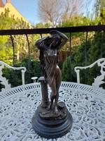 Fűrdőzo Női akt bronz szobor