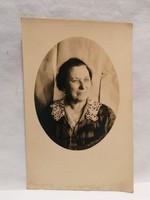 Régi fotó képeslap , női portré