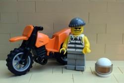 LEGO rabló motoros figura és krossz motor eredeti szép állapotban