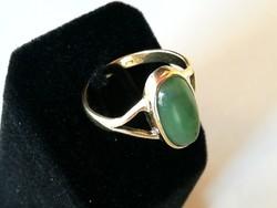Arany gyűrű nefrit kővel (14 k)