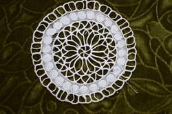Antik csipke kézimunka kis terítő , asztalközép , dekoráció lakástextil 13 cm