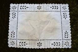 Antik madeirás madeira fehér hímzés csipke terítő abrosz asztal közép dekoráció 46,5 x 33,5 cm