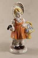 Német porcelán kislány virággal 149