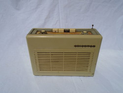 Terta 1042 Orionton régi rádió