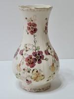 Zsolnay Pillangós fodros szélű váza 17,5 cm