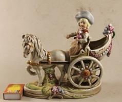 Német porcelán barokk hintós 154