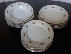 Zsolnay porcelán 18 db-os tányérkészlet, étkészlet