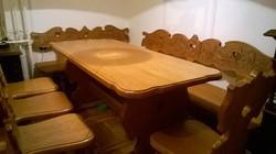 Faragott népi bútor