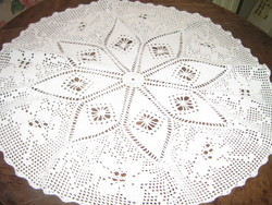Csodaszép fehér antik kézzel horgolt kerek terítő