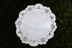 Antik madeirás madeira fehér lyuk hímzés csipke terítő abrosz asztal közép dekoráció 27,5 x 30,5 cm