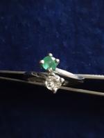 Vibráló zambiai  smaragd és briliáns gyűrű