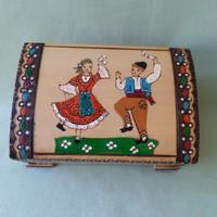 Népművészeti bolgár fadoboz