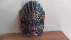 Régi egzotikus maszk