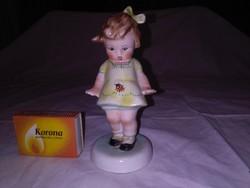 Bodrogkeresztúri katicás kislány figura, nipp