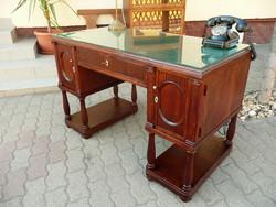 Gyönyörű, antik, szecessziós jelzett Barta Artúr féle térbe rakható mahagóni íróasztal