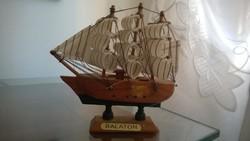 Vitorlás kishajó-Balaton -dekoráció, ajándék