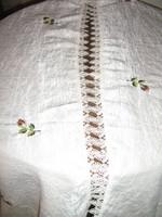 Különleges elegáns vajszínű rózsabimbós gyűrt selyem függöny pár