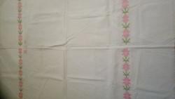 Virágos hímzett vászon nagy terítő 150*104 cm