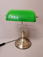 Bankár lámpa, asztali lámpa.