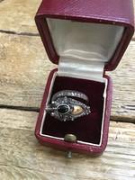 Régi kézműves sárkányos ezüst gyűrű arany és ónix díszítéssel