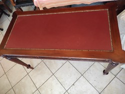 Mahagóni viktoriánus stílusú íróasztal