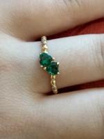 14K arany gyűrű szív alakú kövekkel