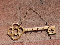 Fali réz kulcs alakú kulcstartó