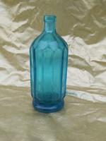 Antik szoknyás szódásüveg.