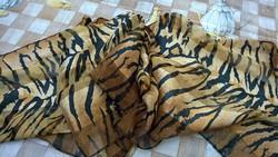 Tigrismintás pihekönnyű sál,stóla, terítő