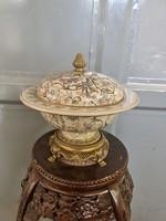 Virág mintás porcelán kínáló -asztalközép-center