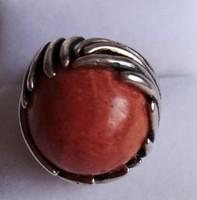 Ezüst gyűrű, óriás korall kővel