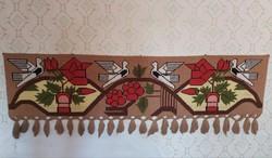 Nosztalgia darab,  Gyönyörű  galambos  madaras falvédő faliszőnyeg paraszti dekoráció