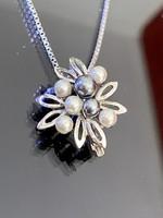 Pompás ezüst nyaklánc és Medál gyöngyökkel díszítve