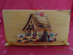 Fa kulcstartó, kékestetői emlék, mérete: 16 x 9 cm.